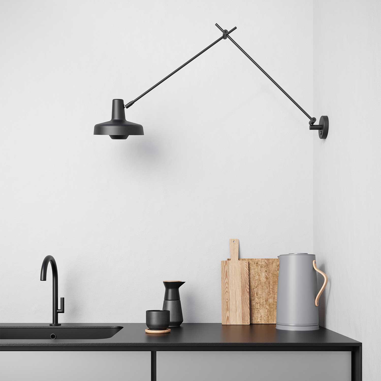Picture of: Arigato L Vaeglampe Funktionelt Designet Lampefeber