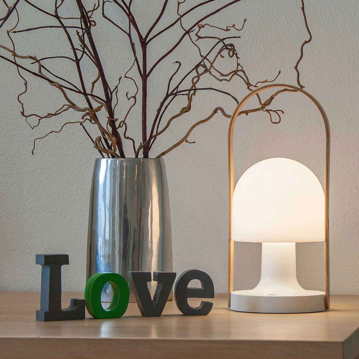 followme battery table lamp by marset lampefeber. Black Bedroom Furniture Sets. Home Design Ideas