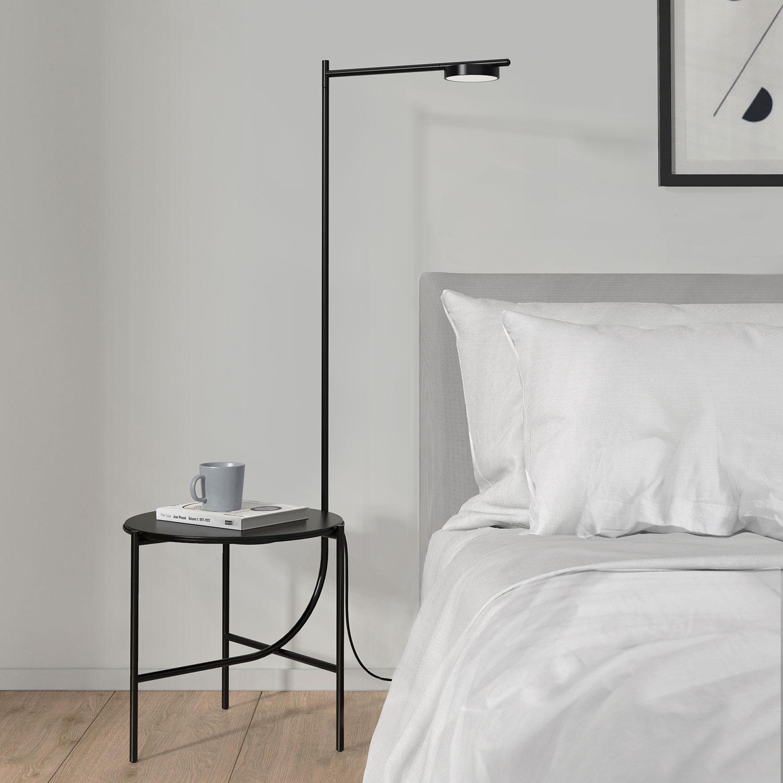 Igram lampe og bord fra Grupa Lampefeber