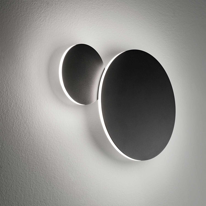 Orbit 1 vegglampe i svart og hvit Lampefeber