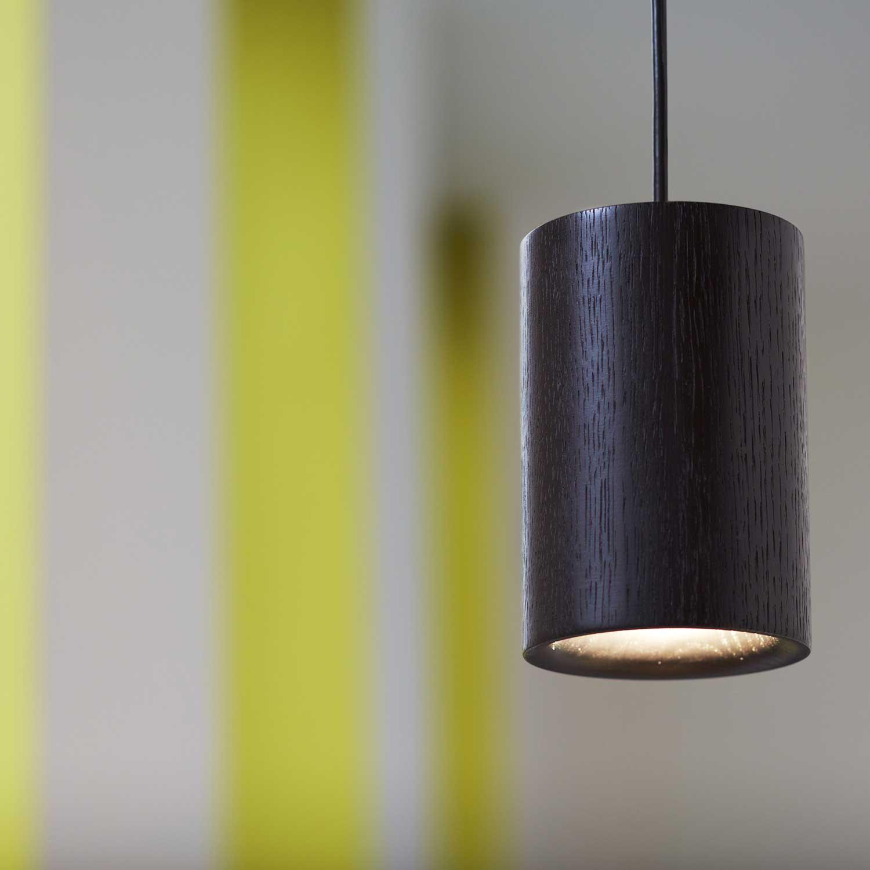 Solid Cylinder Black Pendant Light Of Oak Lampefeber