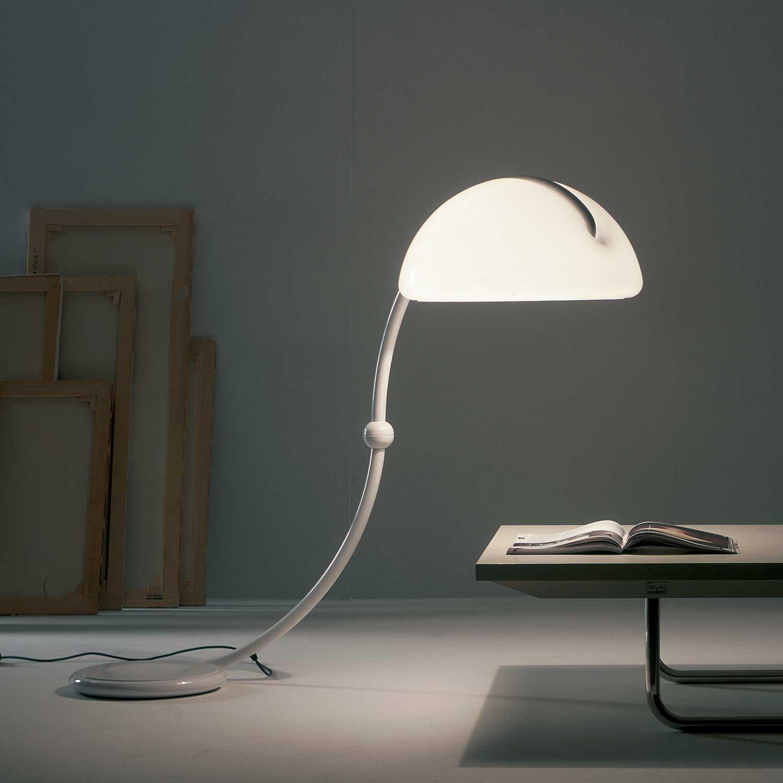 Picture of: Serpente Gulvlampe Ikonisk Lampe Lampefeber